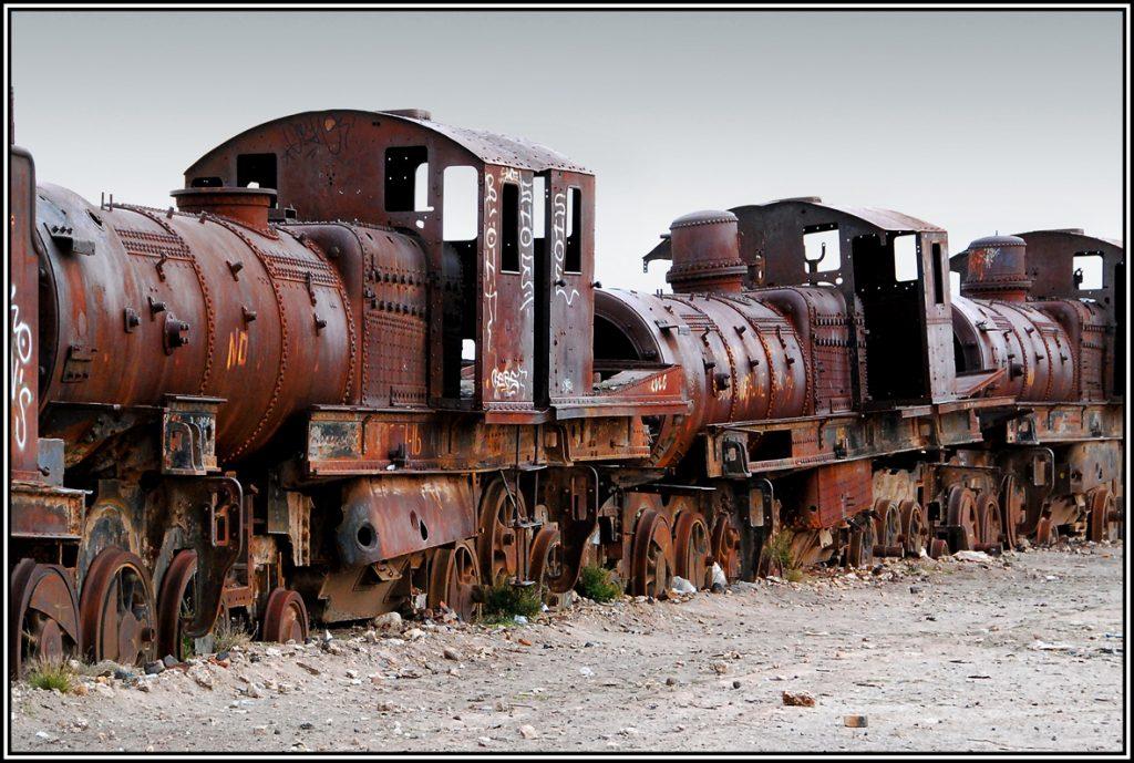 le Cimetière des locomotives d'Uyuni