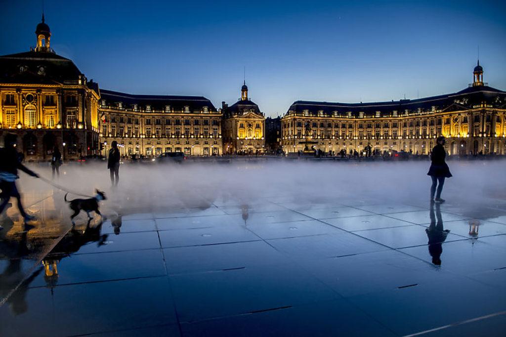 """2ème Prix du Public : Patricia Baudoin / photo club de Draveil - """" Place de la Bourse """""""