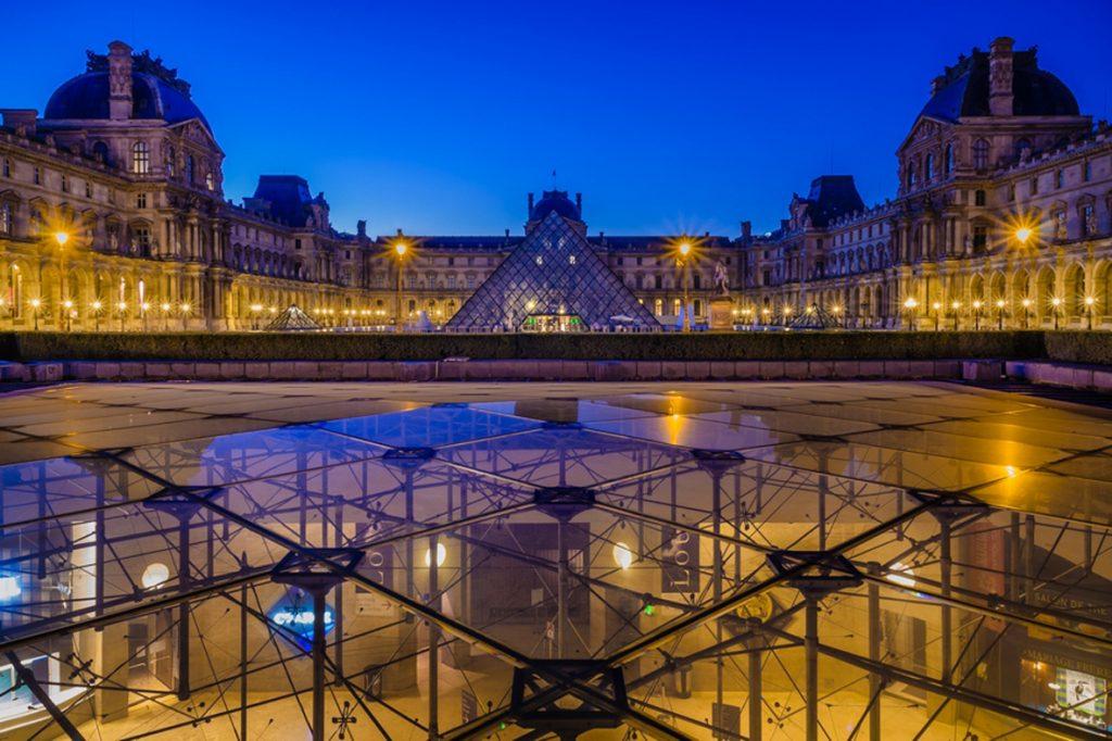 la cour du Louvre
