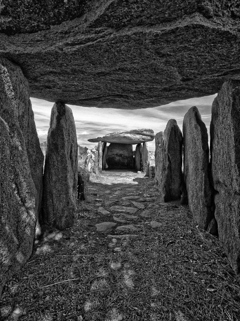 "Tavel Jérôme / Instant Photo Juvisy - ""dolmen"""