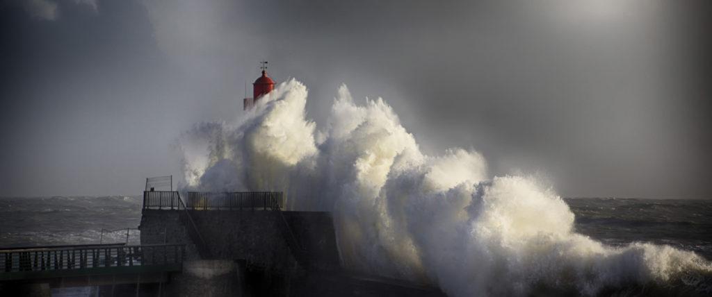 """3ème prix couleur : """"les visites du phare sont suspendues"""" - Jean rené Tuaud / lagord"""