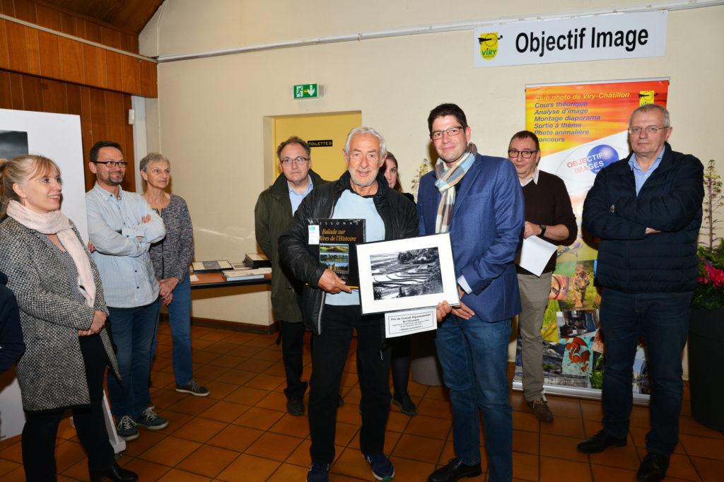 remise des prix (photo Robert Desgroppes)