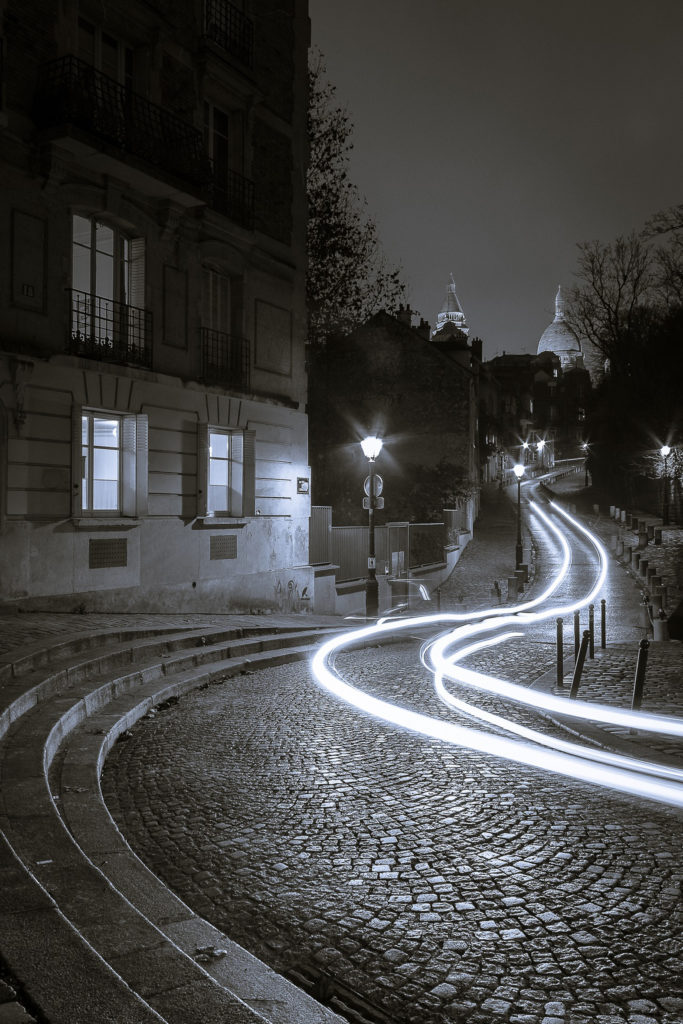 1er Prix du Jury N & B : Arnaud D'OLIVEIRA - IMATHISAthis Mons – « Fantôme place Dalida »