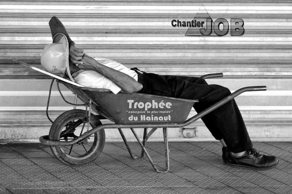 - 1er Prix  : photo N° 7 – « au boulot » - Coston Jean Pierre – L'Espace  Photo SGdB