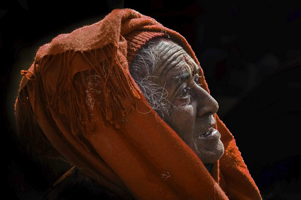 Prix de la mairie couleurs : photo N°84 – « Le foulard » - Denis Michel – La Norville